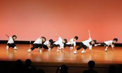 ダンスアクロバット1