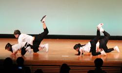 dance acrobat2
